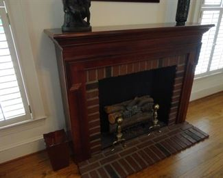 Wall fireplace (no heat just light)