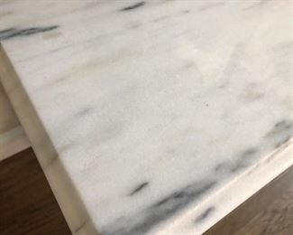 Beautiful marble top in great condition!!!