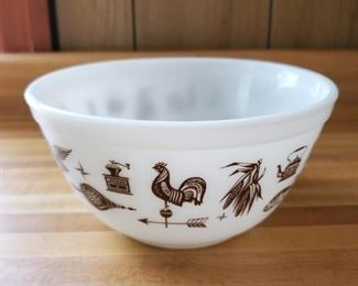 Pyrex Early American 402
