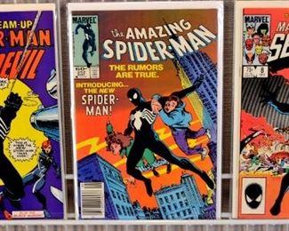 Lot 224: Marvel Comic Book- Bronze Age Amazing Spiderman, 1st series 3 Comic Books: Marvel Comic Book- Bronze Age Amazing Spiderman, 1st series 3 Comic Books 1st three Black Costume, Sympiotic Venom, Marvel team up with Dare Devil #141 , Marvel Secret Wars 8 ,Amazing Spiderman 252