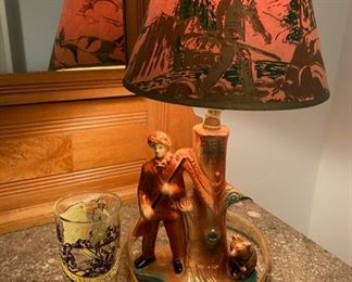 1955 Davy Crockett lamp in excellent original vintage condition, with a vintage character cup and child's belt