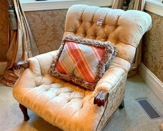 """$200 - HIGH END Gold Chair. Measures 32"""" x 42"""" x 35"""". Originally purchased for $570."""