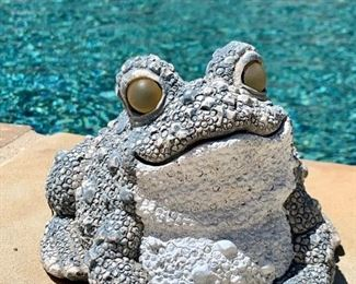 """$12 - """"Smiling Frog"""" - Measures 6"""" x 6"""" x 4""""."""