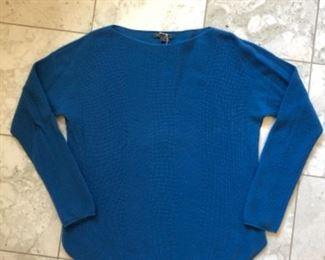 $30 - DESIGNER Vince 100% cashmere sweater - Size large