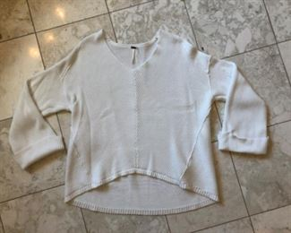 $30 - Free People White Sweater - Size medium