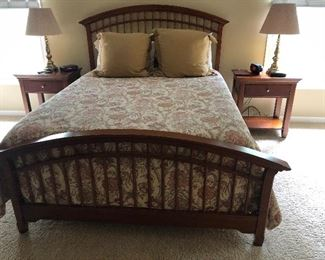 THOMASVILLE BRIDGES QUEEN WOOD BEDROOM SET BED, MATTRESS, DRESSER, ARMIOR, NIGHT STANDS