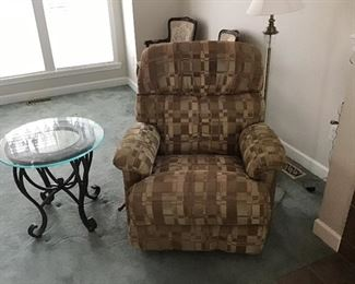 Brown Plaid Overstuffed Recliner Chair...very Comfortable!