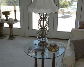 HOLLYWOOD REGENCY END TABLE AND LAMP