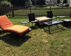 """GORGEOUS HIGH-QUALITY LIKE """"NEW"""" MATCHING RATTAN OUTDOOR FURNITURE SET WITH CHAISE LOUNGE!"""