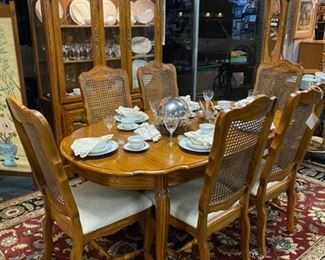 Vintage KELLER FURNITURE COMPANY Dining Room Table with 6 Chairs and Matching China Cabinet