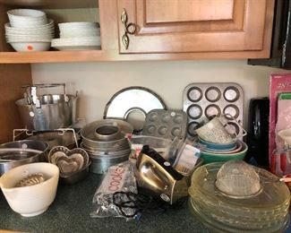 TONS OF KITCHEN