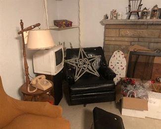 $25 Needs reupholstering