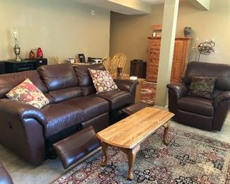La-Z-Boy  LEATHER Sofa & 2  MATCHING Recliners