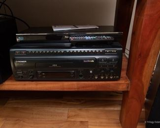 Pioneer CLD-V850  $70 Karoke Machine with Laser Discs. In working condition.