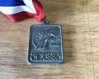 https://www.ebay.com/itm/124277121245WL7071: Coke (Coca Cola) 1988 Racing Metal Crescent City Classic Auction