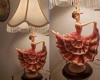 vintage kitschy lamp