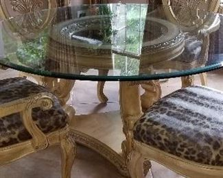 Circular dining table for (4)