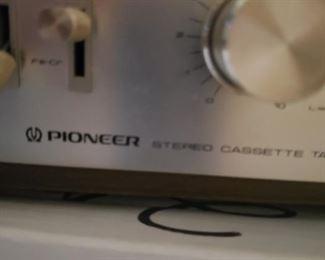 $100    Pioneer CT-F4242