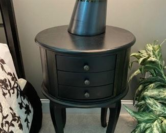 Bedside/Accent Tables