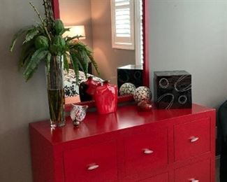 Red Chest, contemporary style