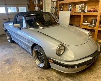 1987 Alfa Romeo Spider 2000 - Serviced in Richmond by Sportscar Workshop - Rebuilt brake system including calipers and master cylinder. Rebuilt complete front suspension. Dual Weber Carburetor Conversion. Clean Title.