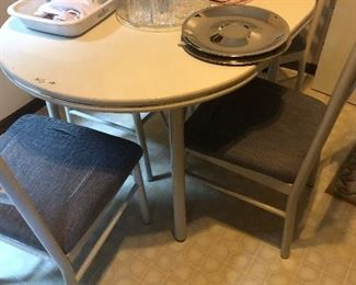 Table 4 chairs $27