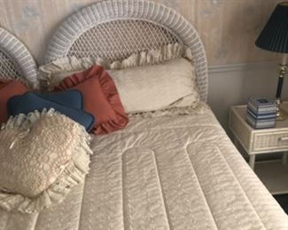 Queen bed with head board 125.00
