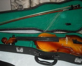Bestler beginner violin with case and bow.  Good condition