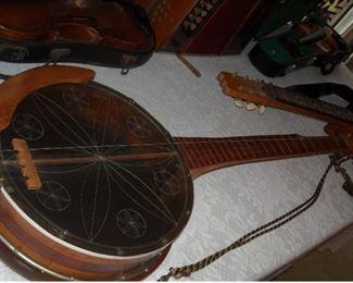 Very nice handmade banjo.  Craftsmanship is excellent.