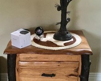 Beautiful Wood side table, plus Great Rustic/Lodge type table lamp.
