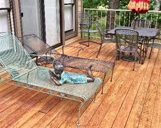 Reclining Chases & outdoor table & chairs.
