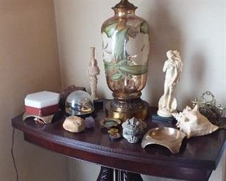 lots of nice tables and home decor . Antique table lamps