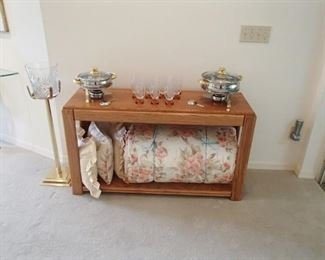 sofa table, ice bucket, king bedding, misc
