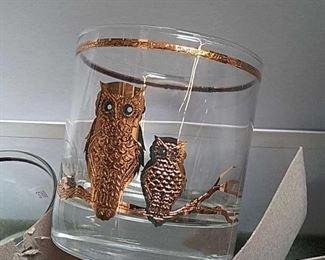 https://connect.invaluable.com/randr/auction-lot/7-owl-class-cups_AAE4E79866
