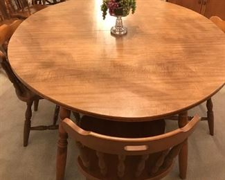 $180.00 MINUS 25% = $135.00 FINAL - Round Dining  table with 6 rounded back, spindle chairs and 2 leafs.