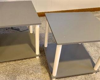 2 gray 2 level End Tables 16.5 x 15.5 x 15h 2 for $18