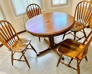 "41"" solid Round Pedestal Table with  12"" leaf, gear open  & 4 Chairs $250"