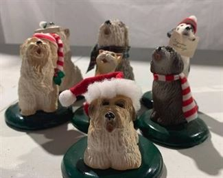 Caroler Figurines