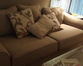 A sofa bed that doesn't look like one--Excellent