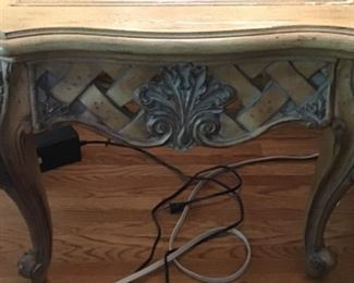 Details of end table. Blonde wood. High quality. Excellent condition.