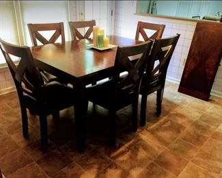 New Dining Table Set with 6 Chairs $650