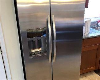 KitchenAid 2015 refrigerator freezer.