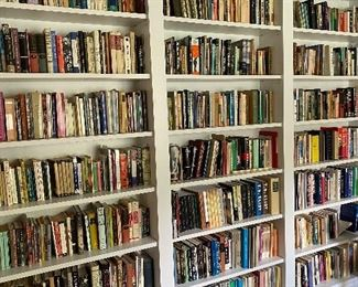 1000's of books