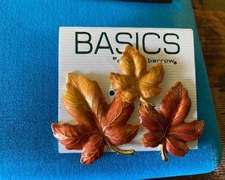 Basics Leaf Pin $4.00
