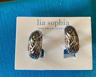 Lia Sophia Earrings $5.00