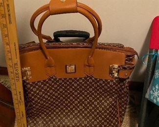 Jose Hess Bag $25.00