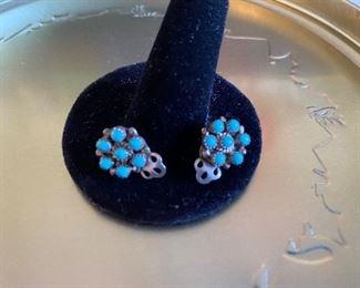 Click on Earrings $6.00