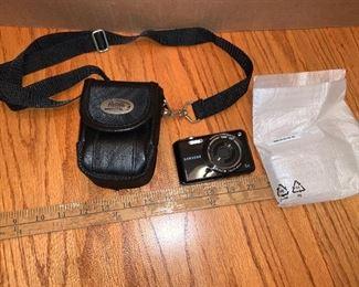 Samsung Camera with Bag $15.00