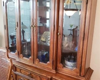 Gallery/China Hutch Cabinet with Lighting