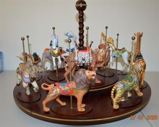 The Treasury of Carousel Art Franklin Mint                          12 Animals & Wooden Rotating Display